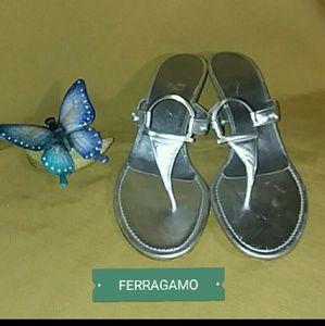 FERRAGAMO SILVER SANDALS ~ SIZE 7 1/2 B